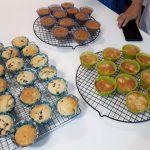 Cupcakes de varios gustos hechos por taller de adultos, marzo 2020